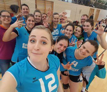 Schönes Volleyball sieht anders aus, aber Sieg ist Sieg für unsere Damen 1